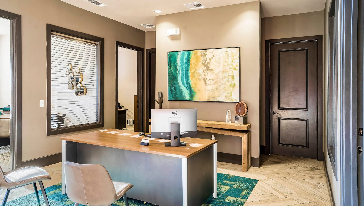 Leasing desk in the lobby at Sundance Creek in Midland, Texas