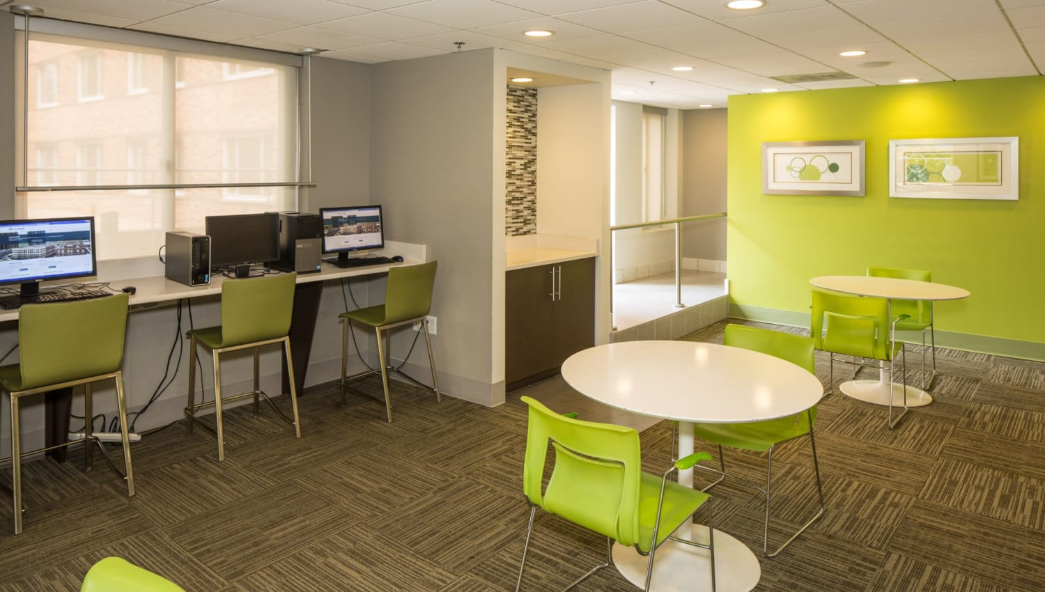 Computer room at Solace on Peachtree in Atlanta, Georgia
