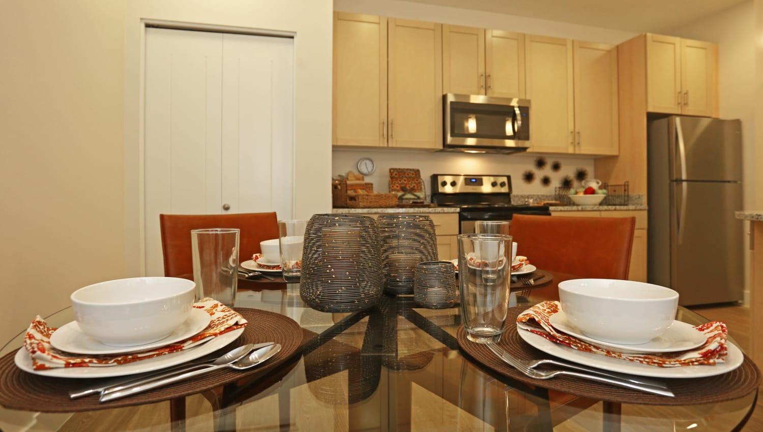 A resident dining table at Mountain Trail in Flagstaff, Arizona