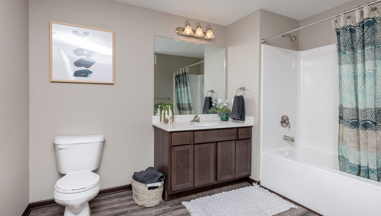Clean bathroom at Autumn Ridge in Waukee, Iowa