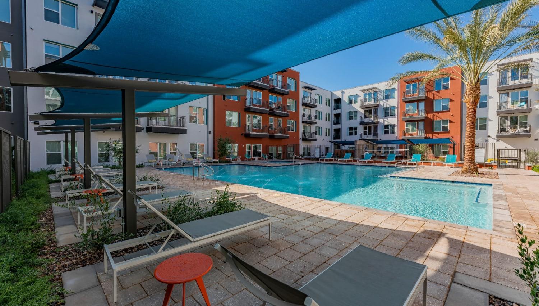 A large luxury pool for summer fun at The Tessera in Phoenix, Arizona
