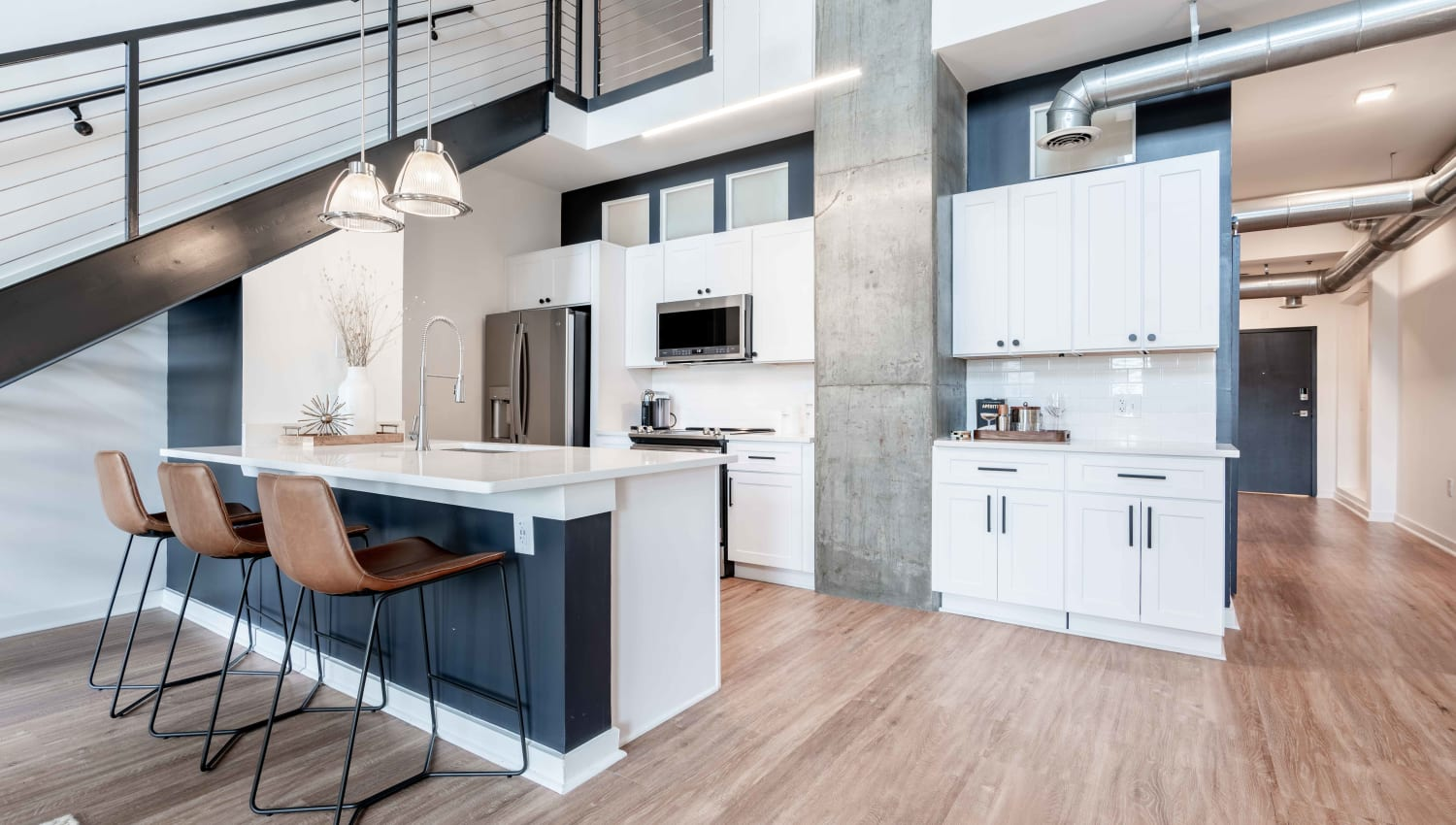 Very spacious apartment with modern finishes at 17th Street Lofts in Atlanta, Georgia