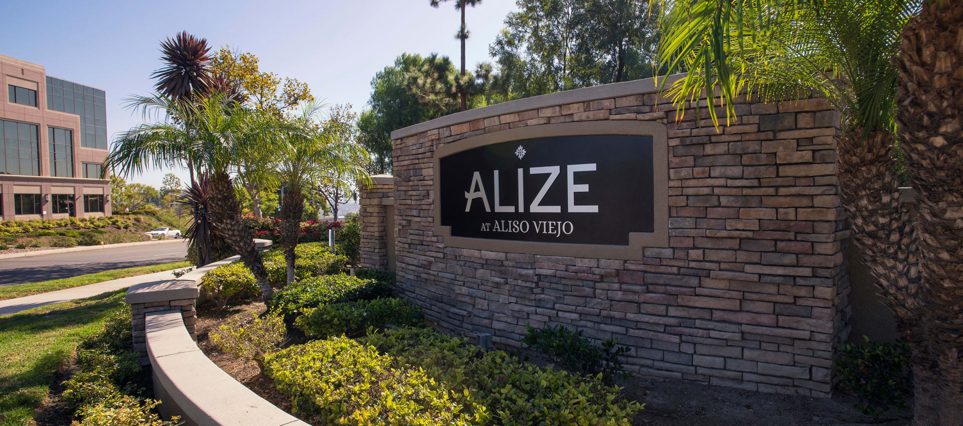 Alize at Aliso Veijo Apartments Street Sign