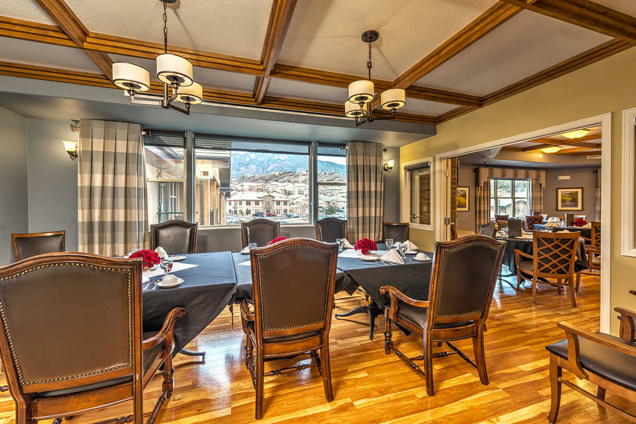 A private dining area residents' and their families at The Palisades at Broadmoor Park