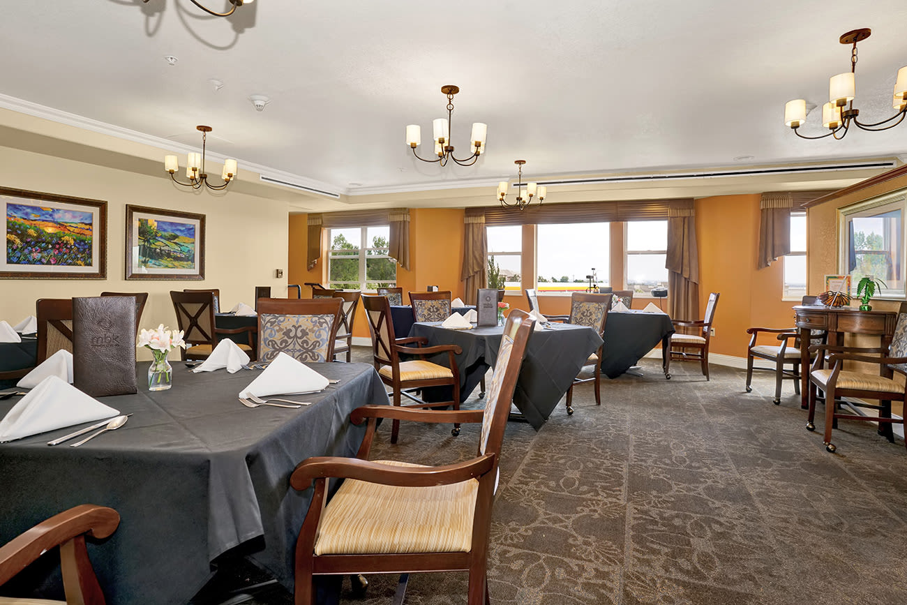 Dining area at The Palisades at Broadmoor Park in Colorado Springs, Colorado