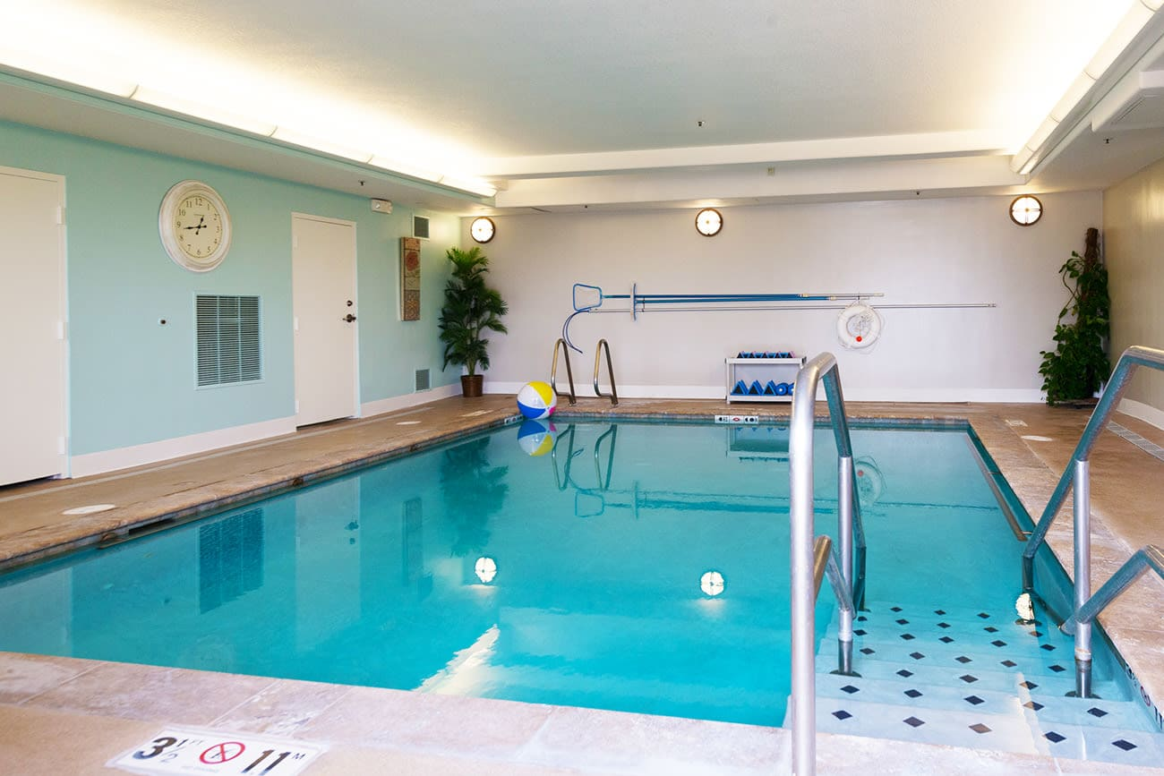 The Palisades at Broadmoor Park offers senior residents a swimming pool