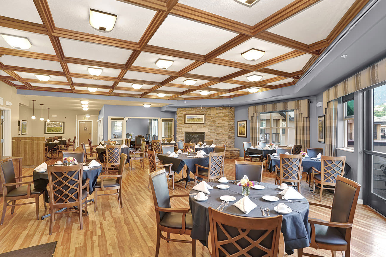 The spacious dining hall at The Palisades at Broadmoor Park