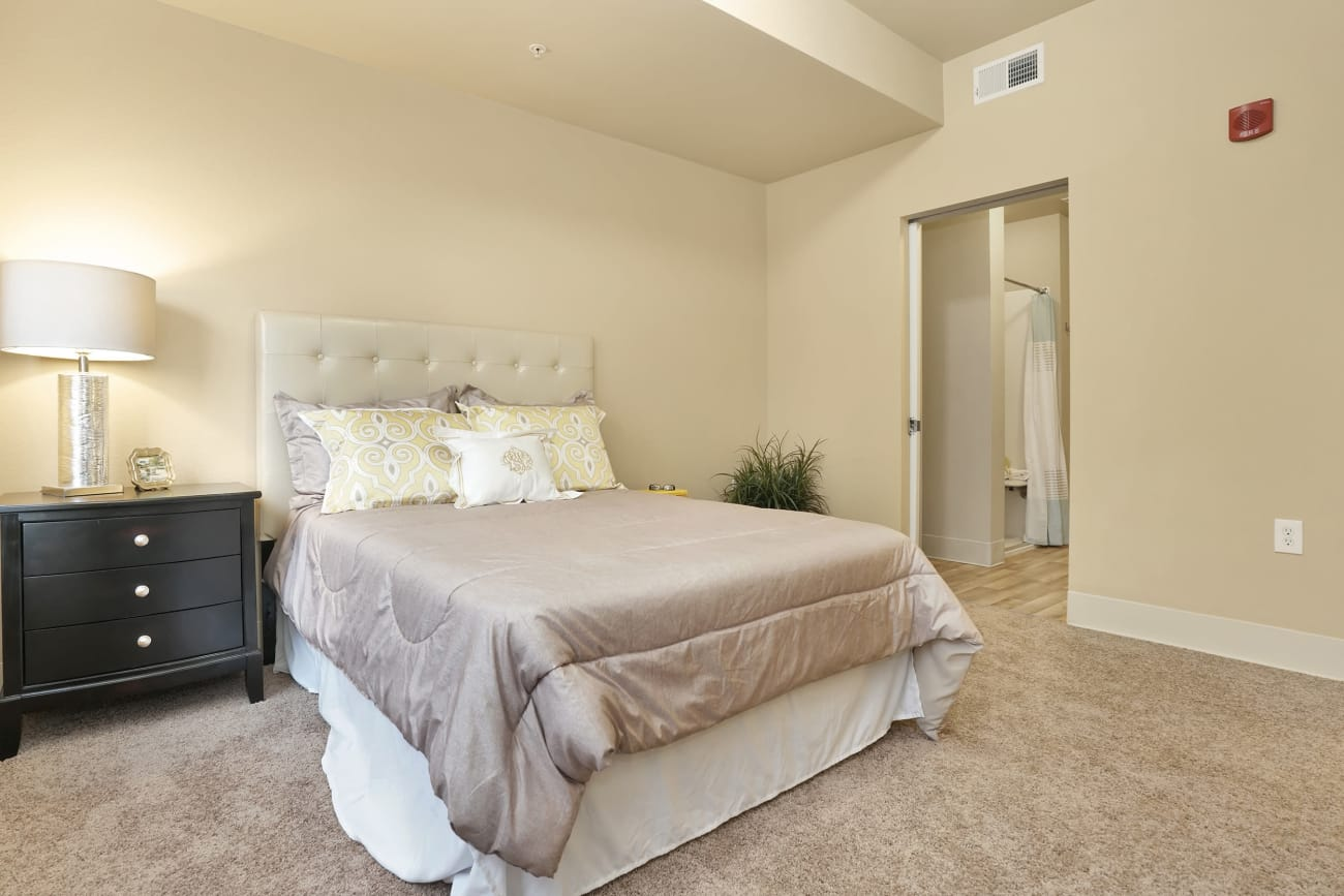 A spacious master bedroom at The Inn at Greenwood Village