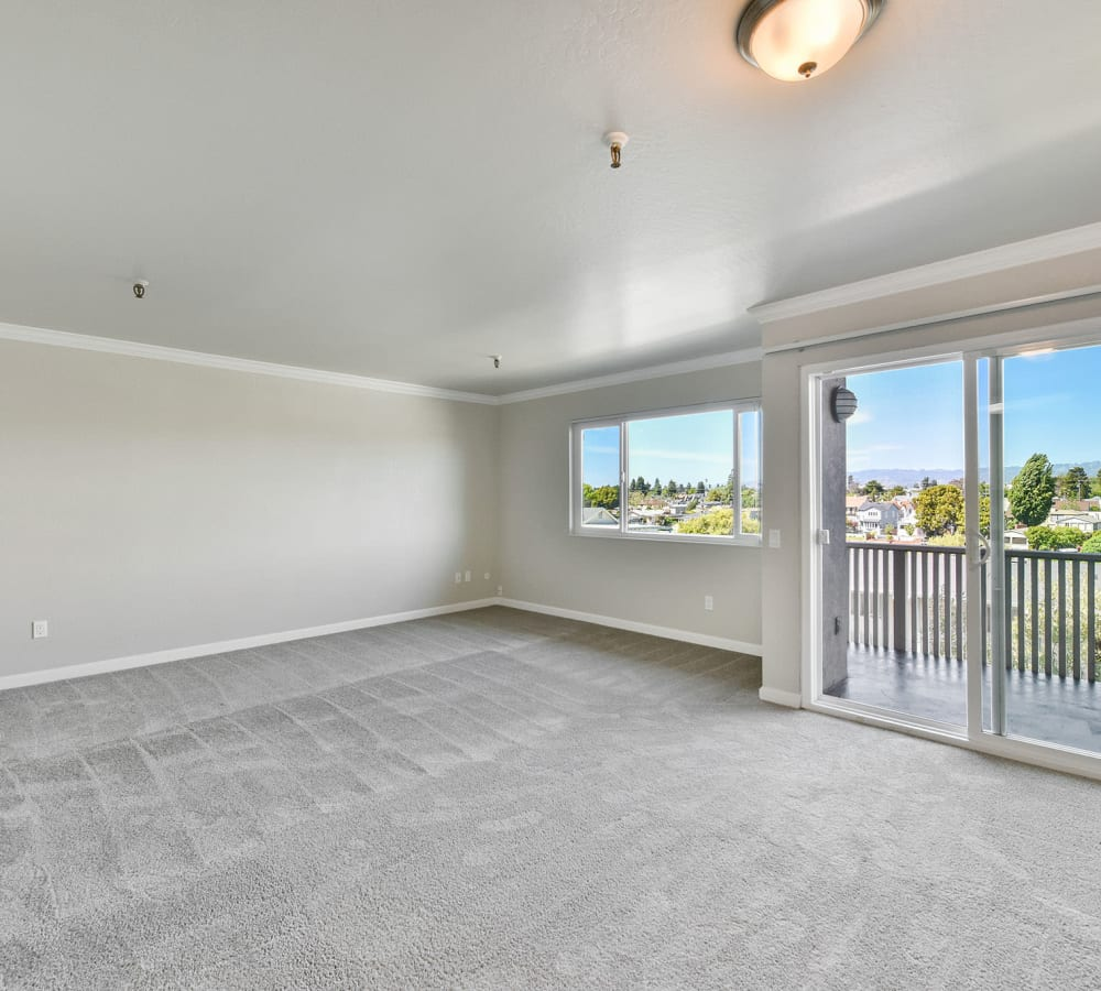 Open-concept floor-plan at Tower Apartment Homes in Alameda, California