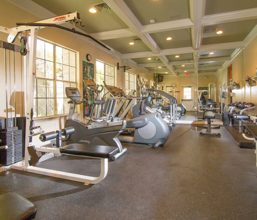 Stay healthy in the Preston Hollow Apartments fitness center in Murray