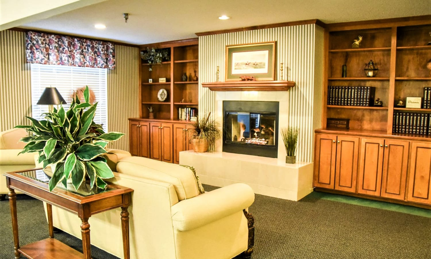 Library at Sandpiper Senior Living in Mt. Pleasant, South Carolina