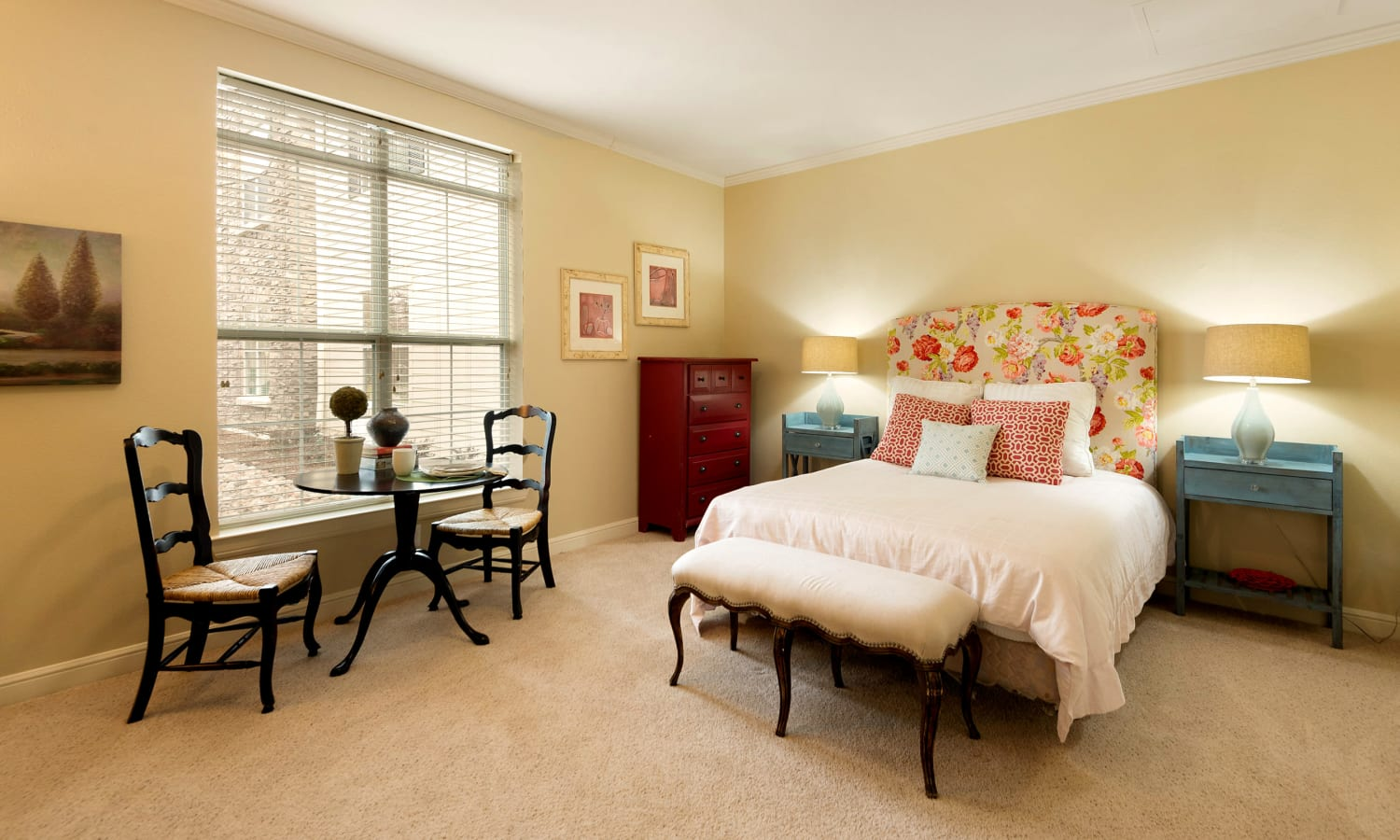Private living space at Prestonwood Court in Plano, Texas