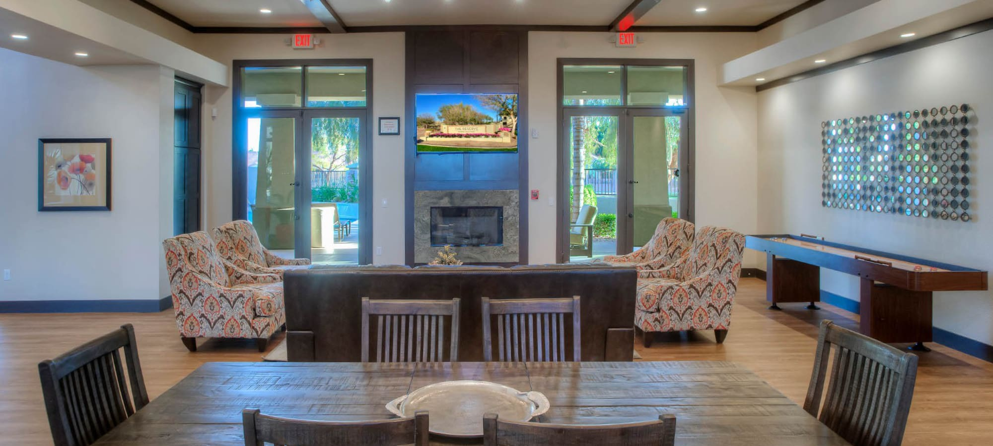 Clubhouse with ample seating at The Reserve at Gilbert Towne Centre in Gilbert, Arizona