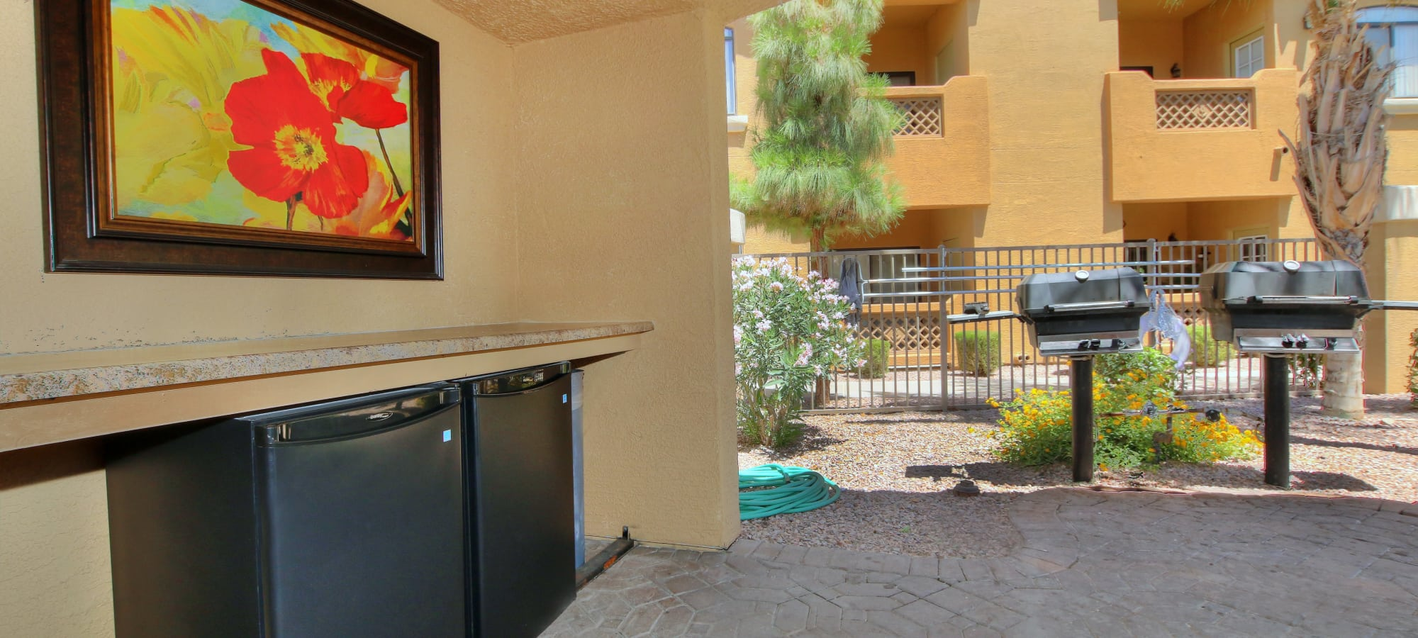 Convenient outdoor grills at The Retreat at the Raven in Phoenix, Arizona