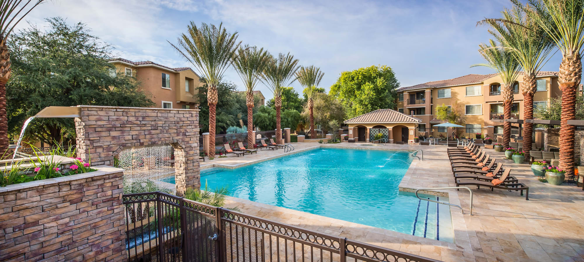 Beautiful swimming pool area at Stone Oaks in Chandler, Arizona