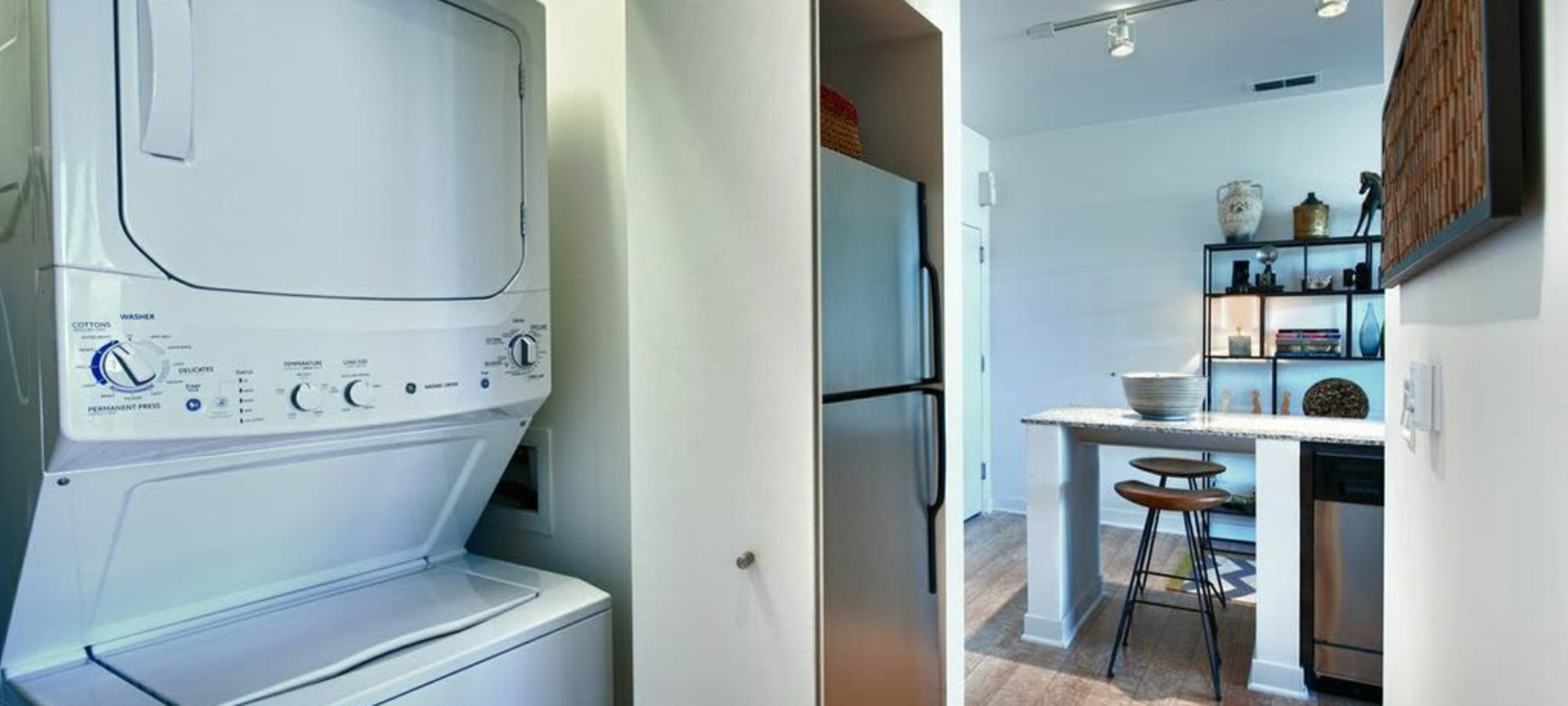 Luxury apartments with a washer/dryer in Phoenix, Arizona