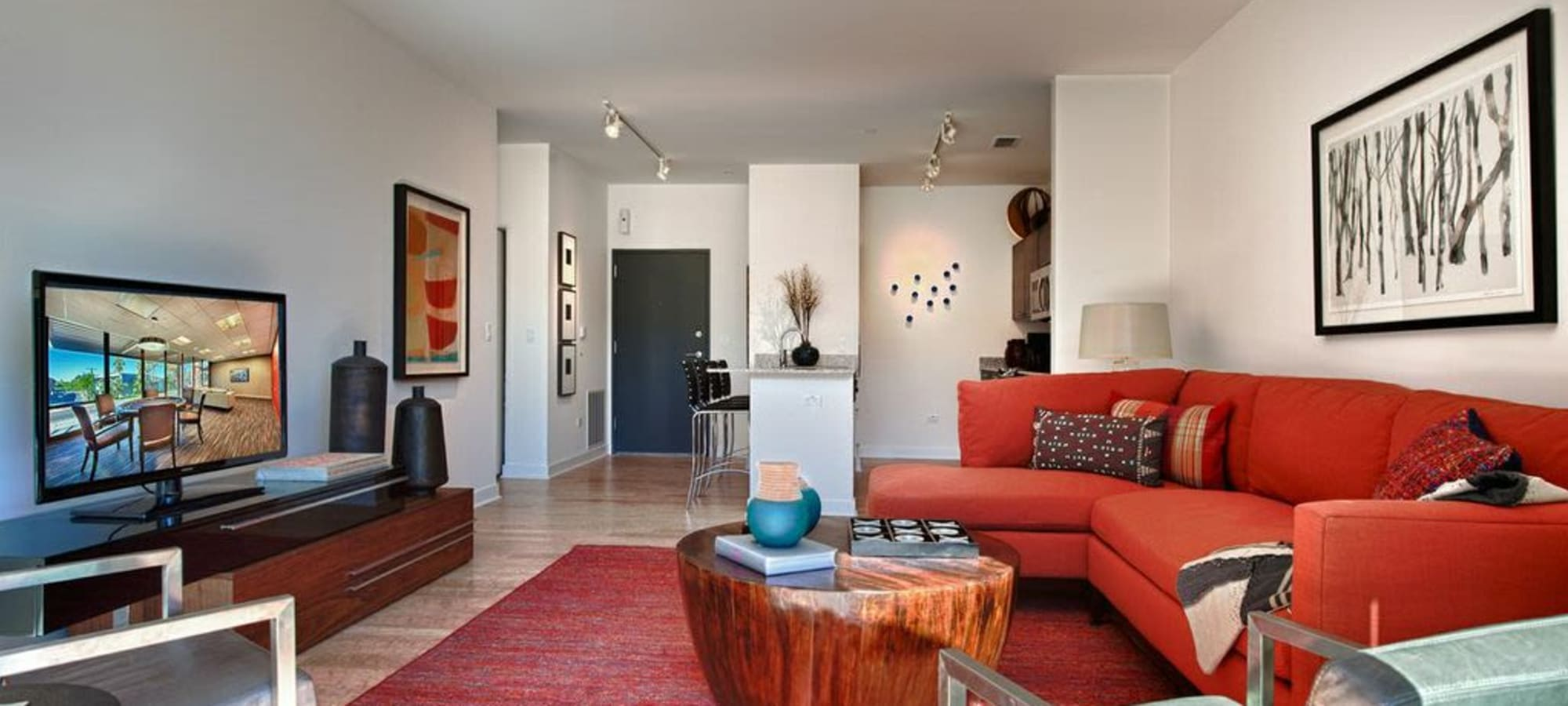 Our apartments in Phoenix, Arizona showcase a luxury living room