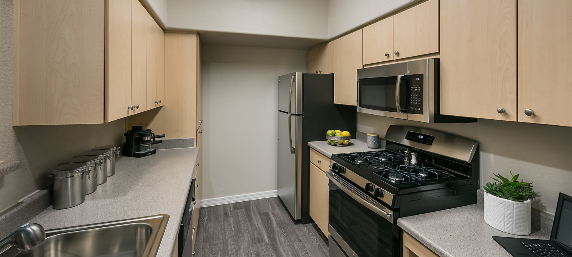 upgraded kitchen with appliances at Laguna at Arrowhead Ranch in Glendale, Arizona
