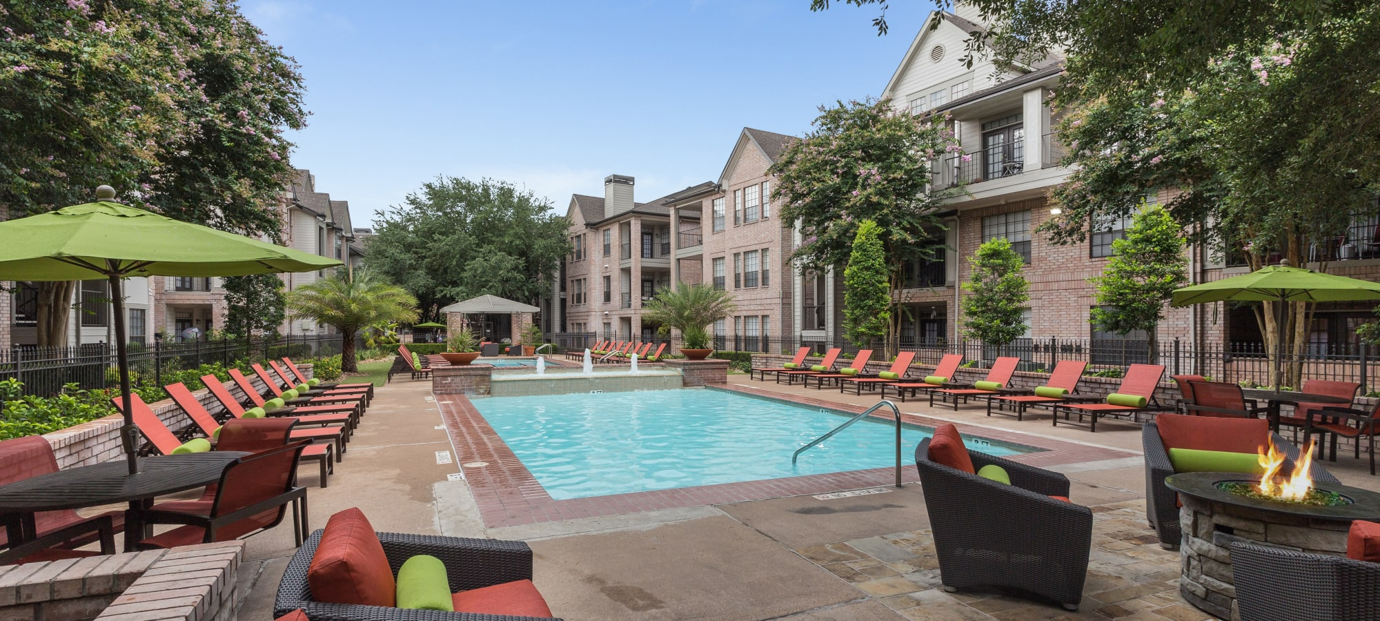Apartments at Greenbriar Park in Houston, Texas