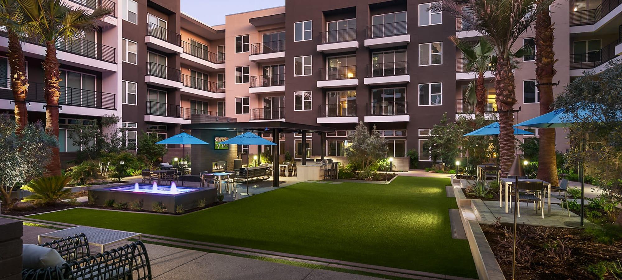 Beautiful courtyard at The Halsten at Chauncey Lane in Scottsdale, Arizona