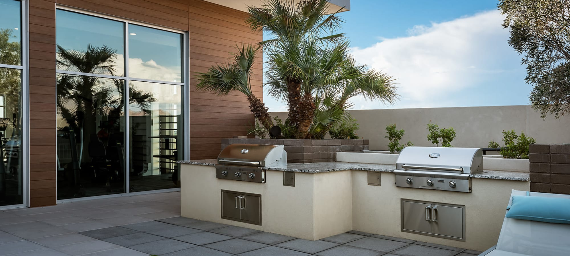 Outdoor grilling area at The Halsten at Chauncey Lane in Scottsdale, Arizona