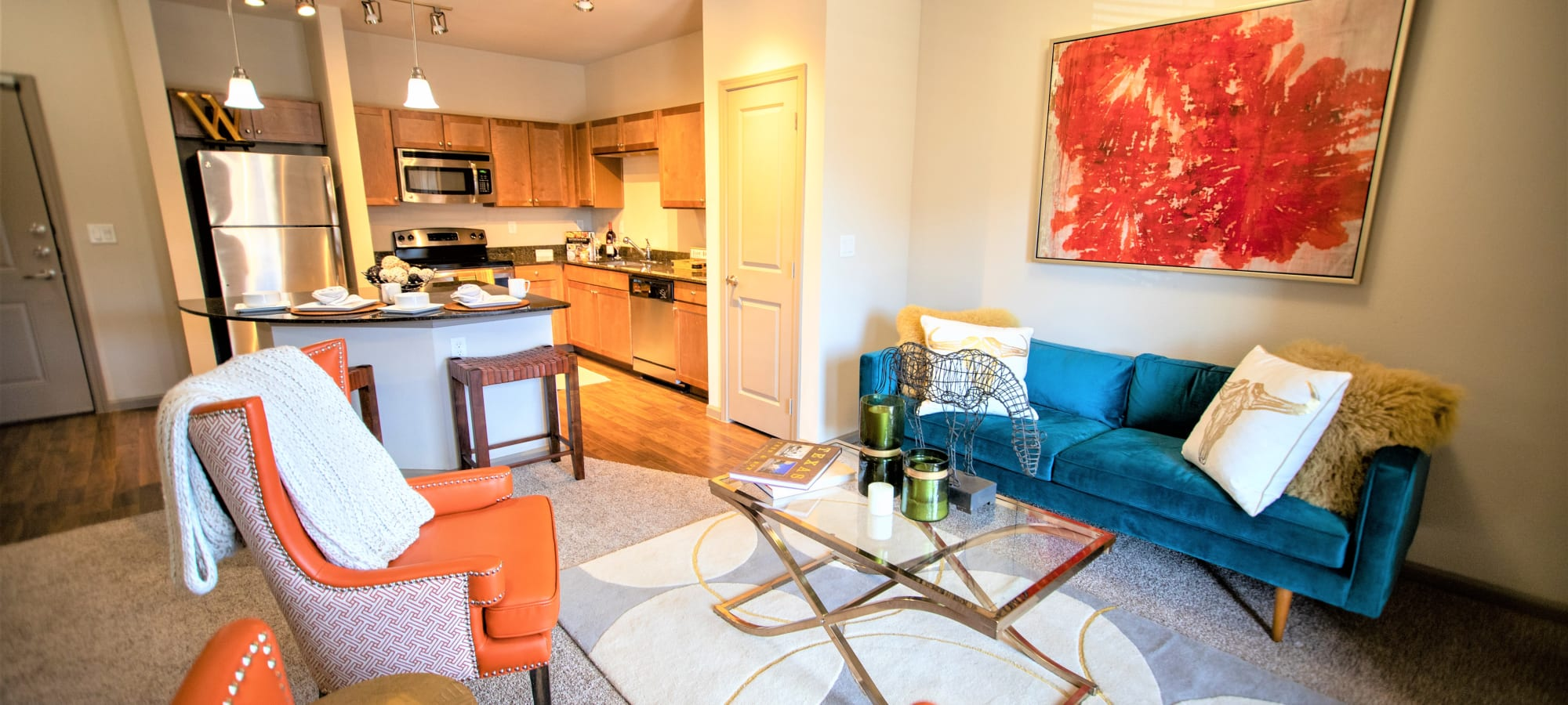 Enclave at Grapevine apartments in Grapevine, Texas
