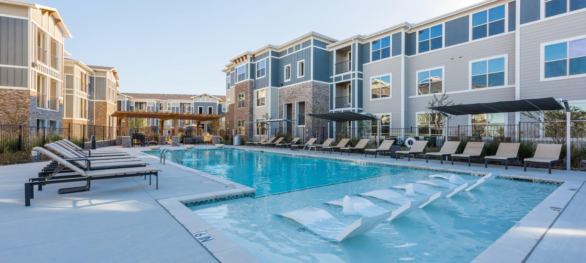Enclave at Westport apartments in Roanoke, Texas