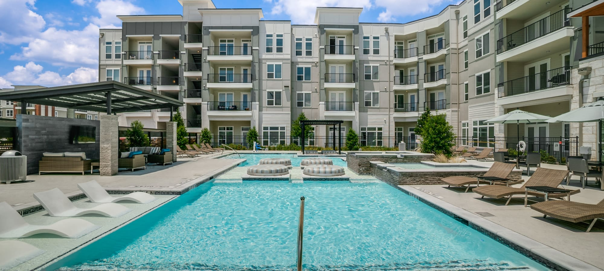 One90 Firewheel apartments in Garland, Texas