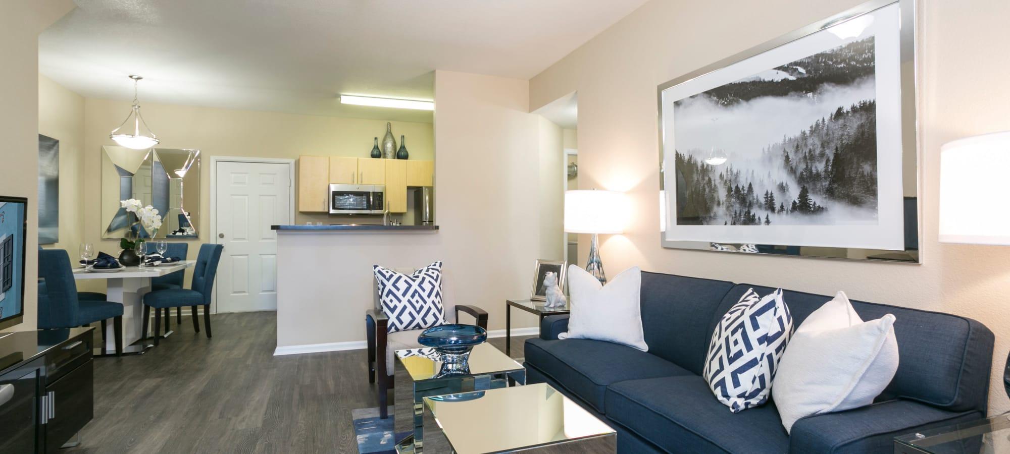 Aurora, Colorado apartments at Crestone Apartments