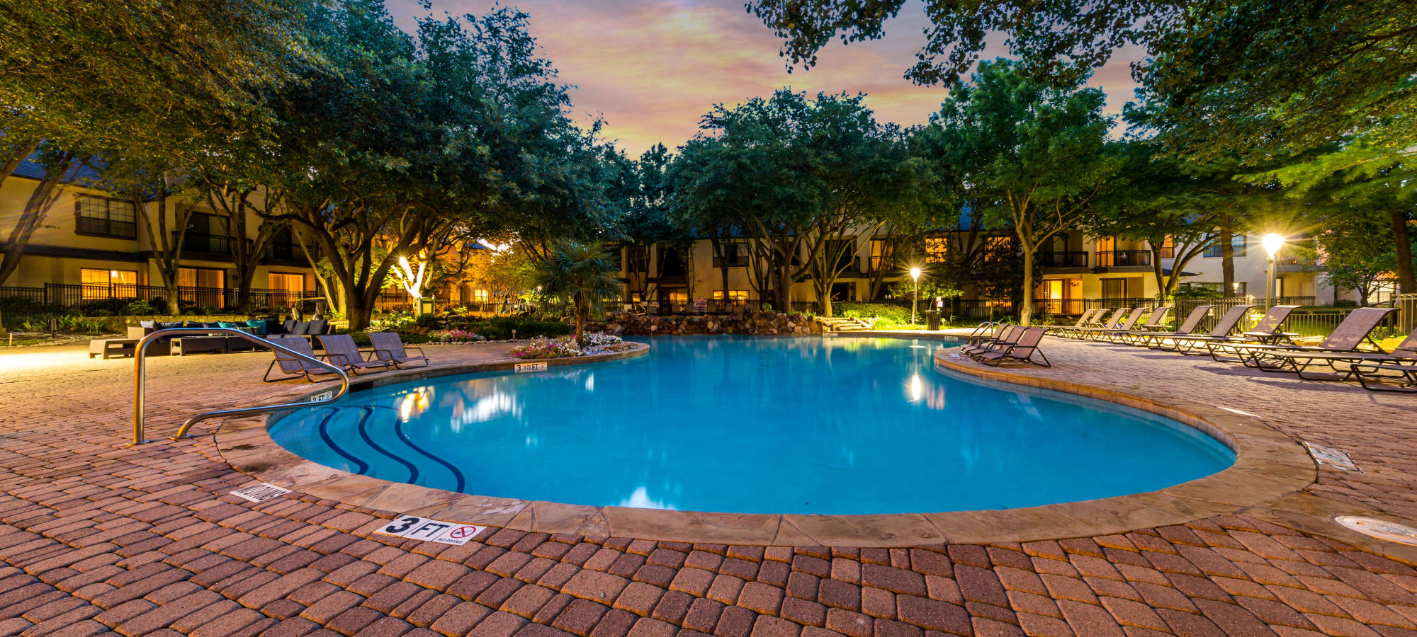 Apartments at Marquis at Waterview in Richardson, Texas