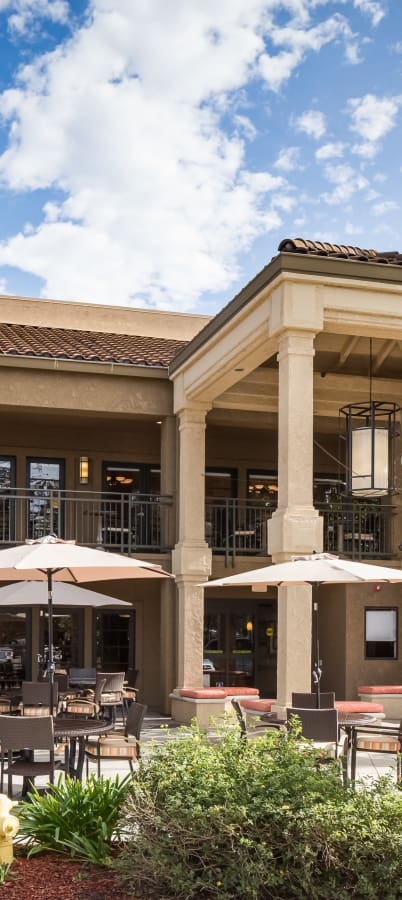 Exterior of The Reserve at Thousand Oaks in Thousand Oaks, California