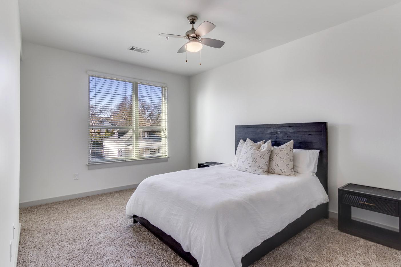 spacious-bedroom-at-12-south-apartments