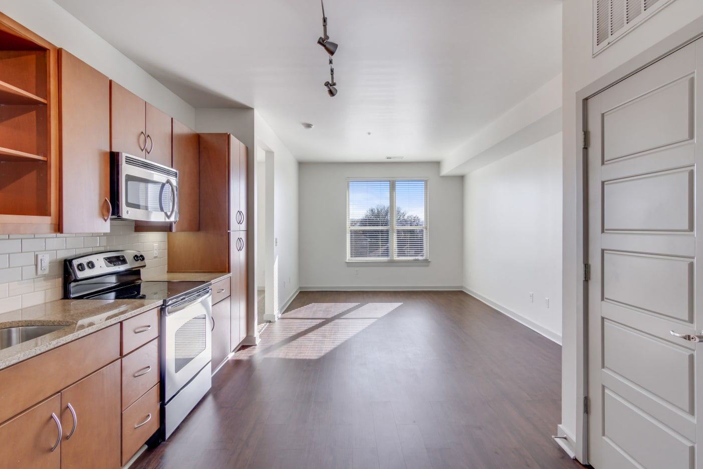 open-concept-kitchen-nashville-apartments