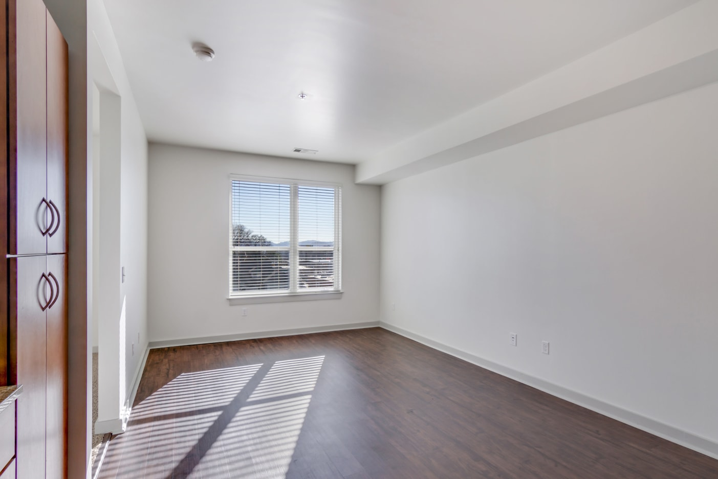 spacious-living-at-12-south-apartments