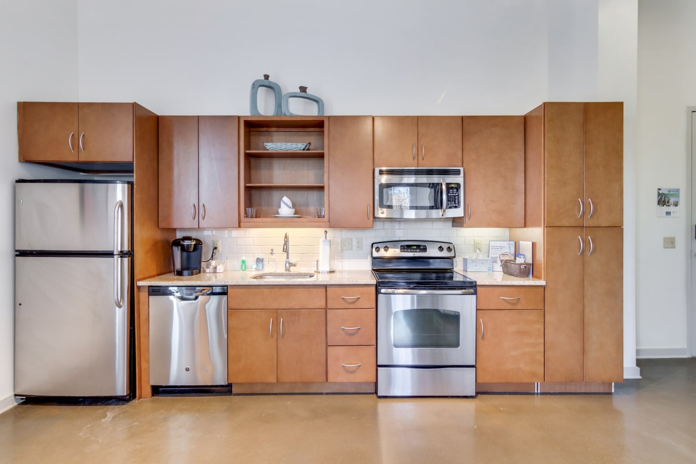 stainless-steel-appliances-12-south-apartments