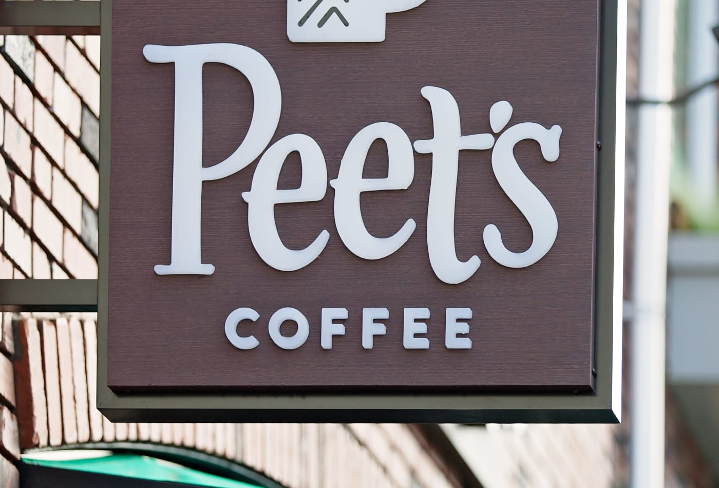 Peet's coffee sign outside their store in Lake Oswego
