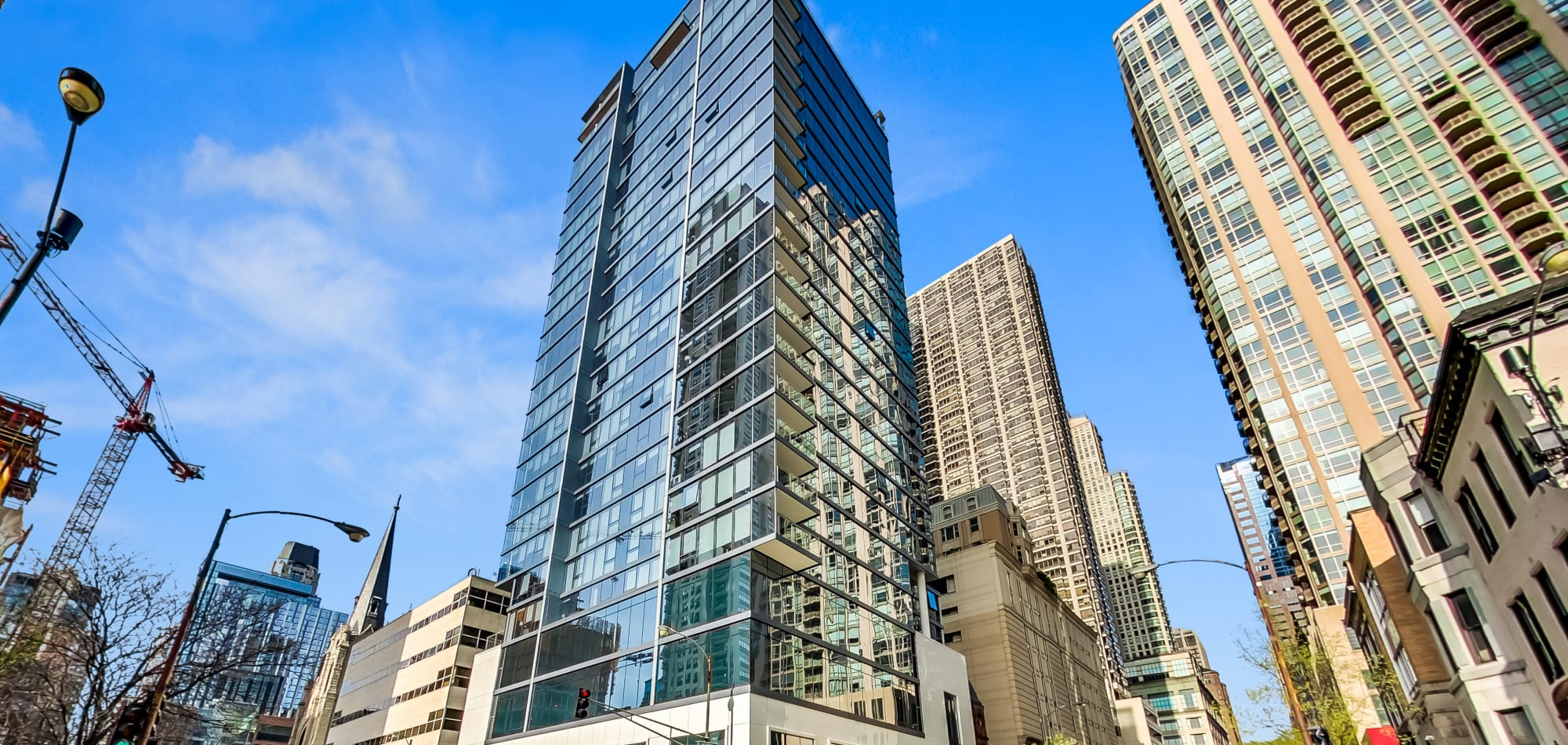 Enjoy our exceptional luxury apartments at Residences at 8 East Huron in Chicago, Illinois