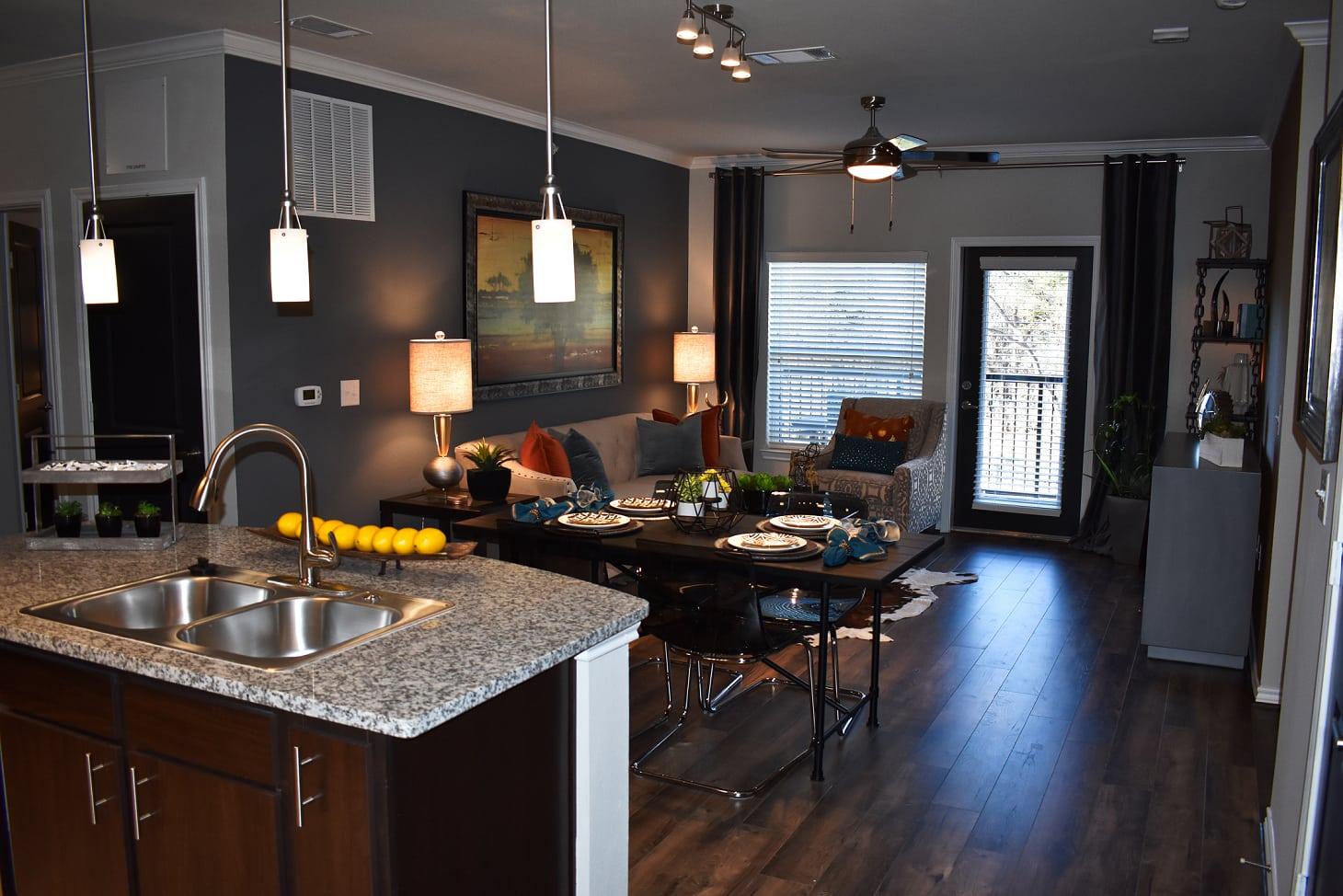 1 2 Amp 3 Bedroom Apartments In San Antonio In Bexar County