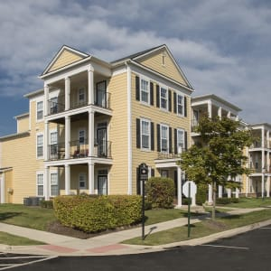 Westside Canton, MI Apartments in Cherry Hill | Uptown in Canton