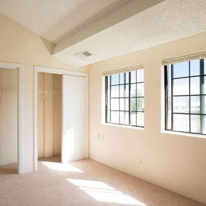 Manchester Apartments & Townhomes for Rent | Wellington Hill