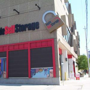 Apple Self Storage - Toronto Downtown