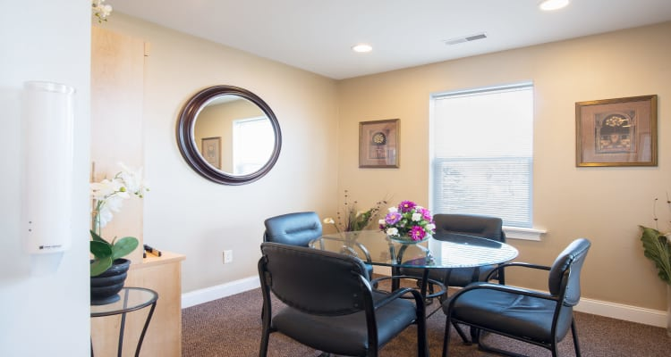Apartment dining room at The Reserve at Glenville in Glenville