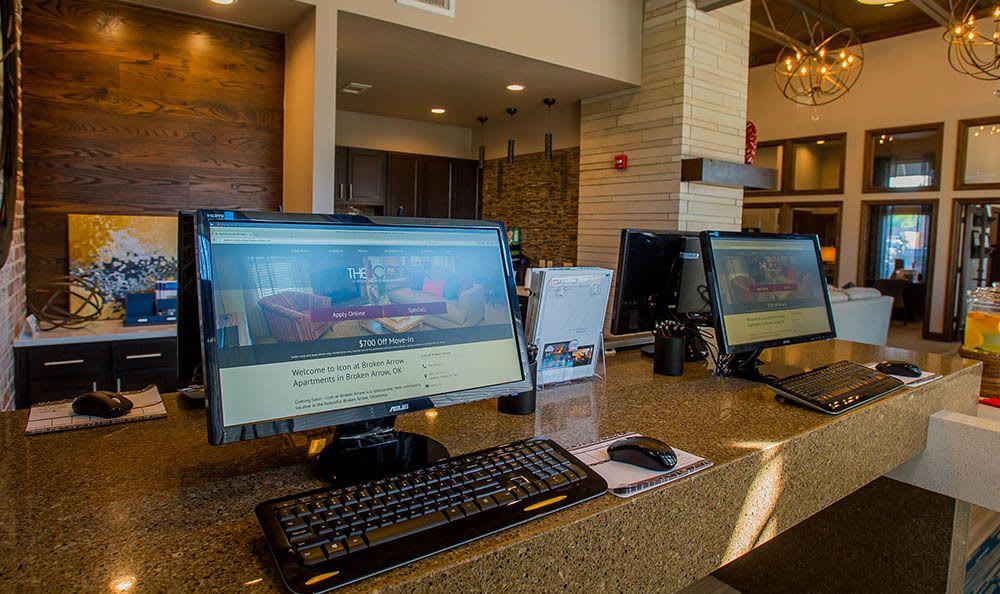 Office area at Icon at Broken Arrow