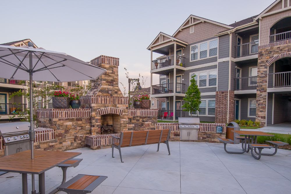 Beautiful bbq area at Cottages at Tallgrass Point Apartments in Owasso, OK