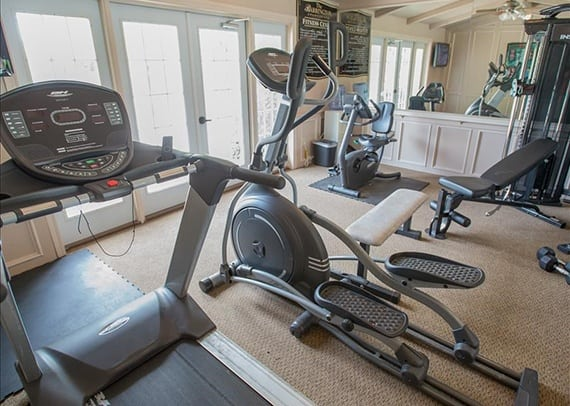 fitness facility at barrington apartments in tulsa