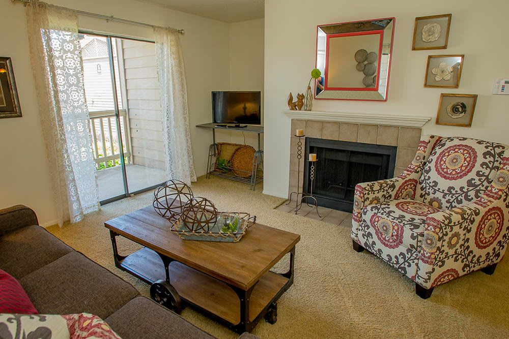 Tulsa apartments living room