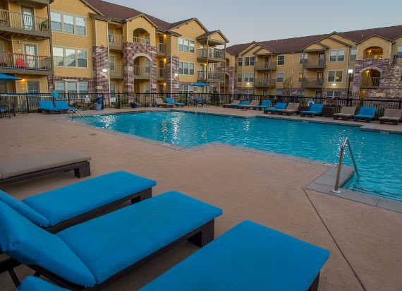 Our apartments in Moore, Swimming pool