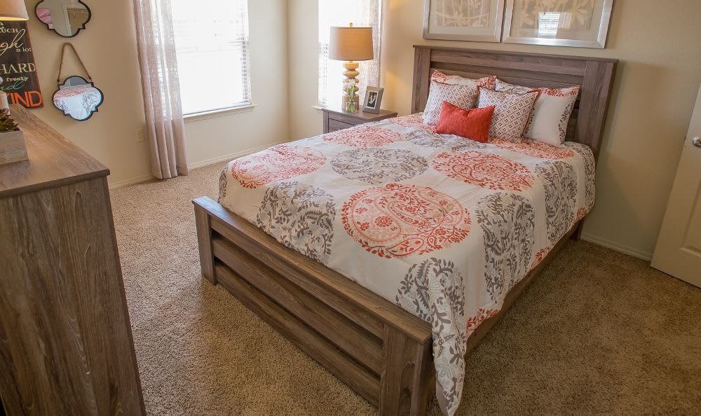 Spacious bedroom in Moore, OK apartments