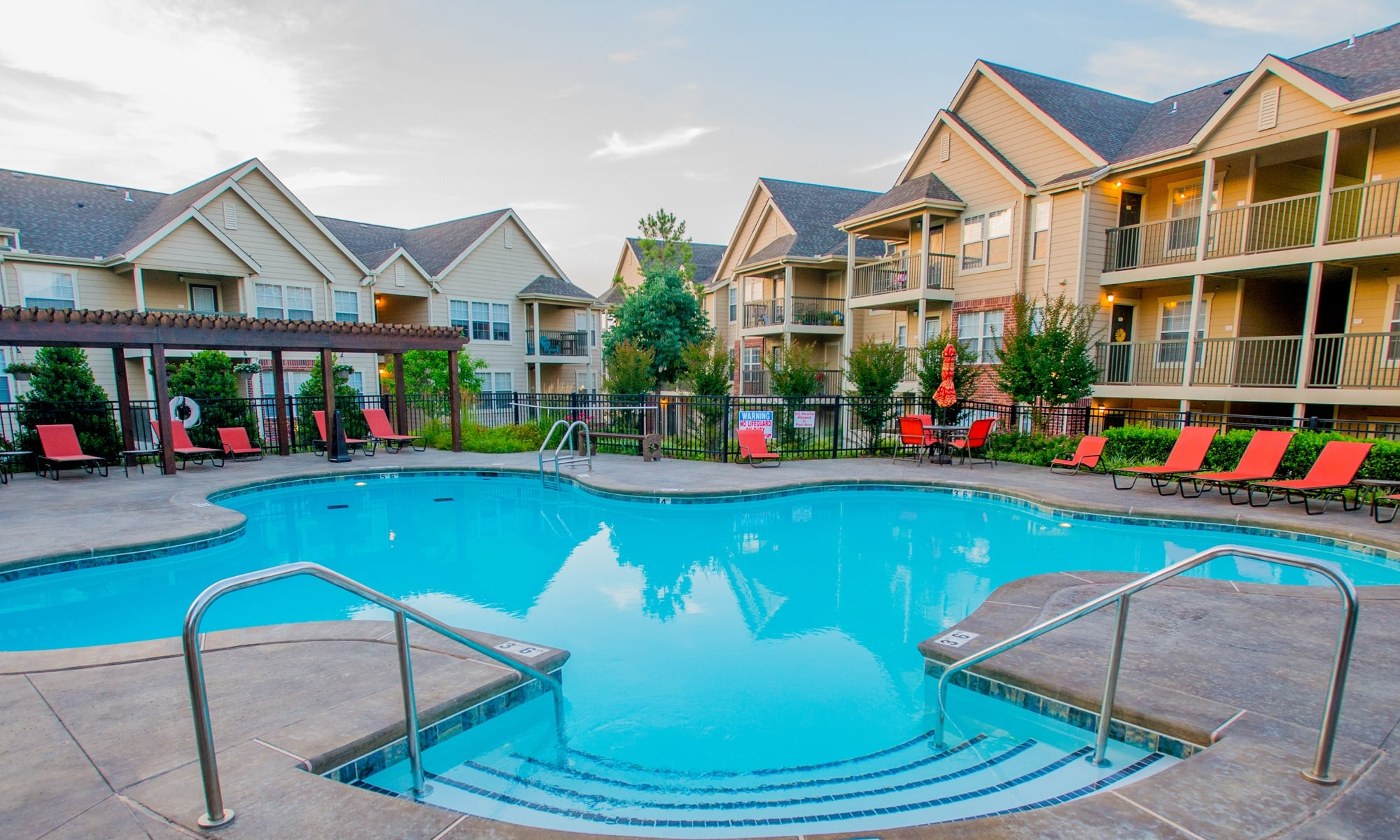 Apartments in Tulsa, OK | Nickel Creek Apartments