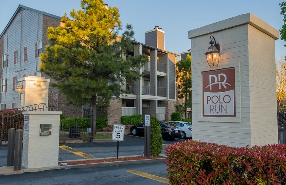 Polo Run Apartments Entry sign